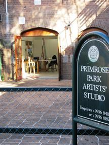 Primrose Park Studio Courtyard with sign